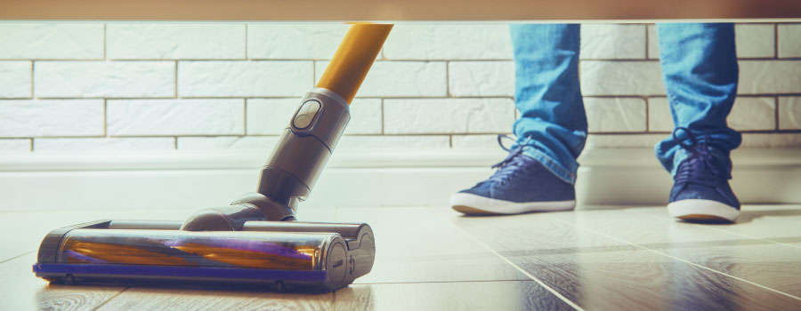 Best Commercial Vacuum: 8 Powerful Pro Cleaners for 2020